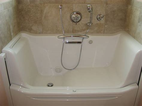 best rated walk in bathtubs kohler walk in bathtub reviews tubethevote