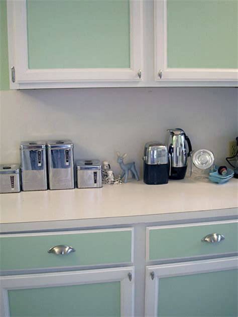 Paint Kitchen Cabinets Diy by Painted Kitchen Cabinet Pictures And Ideas