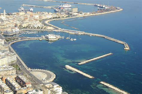 bari porto bari porto vecchio harbor in bari puglia italy harbor