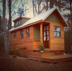 tiney houses tiny house living couple s 204 sq ft dream home
