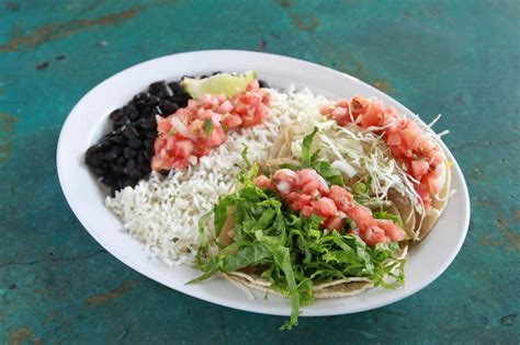wahoo tacos lincoln ne 2 combo carne asada steak grilled fish tacos with