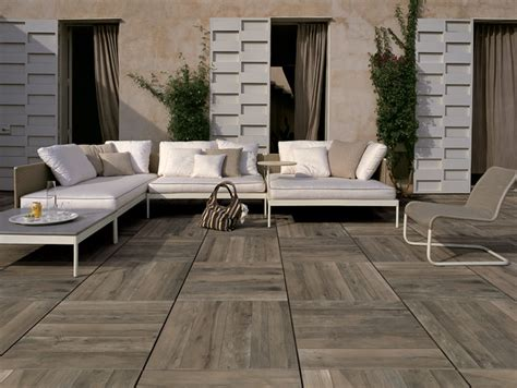Patio Pavers That Look Like Wood Porcelain Pavers With Simulated Wood Look Nut