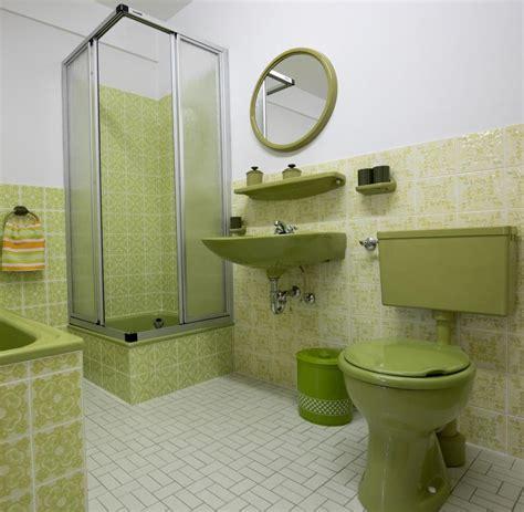 badezimmer fliesen 70er jahre fliesenh 228 ndler schittek wenn ein bad wieder in sch 246 nem 70