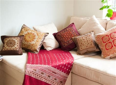 7 Modern Cushion Designs and Decor Ideas   Home with Design