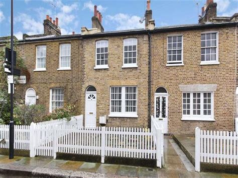 2 bedroom house to rent london 2 bedroom terraced house to rent in shepherds bush place london w12