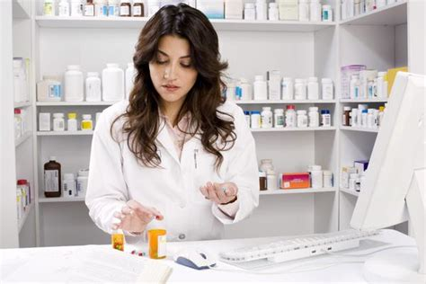 How To Prepare To Be A Pharmacist by How Much Does A Pharmacy Tech Make