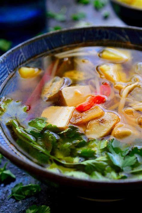 vietnamese sour soup cilantro  citronella