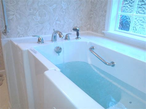 aquatic bathtub where are all the walk in tubs ability tools weekly