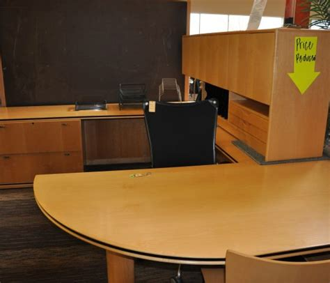 gianni  shaped desk twin cities  office furniture