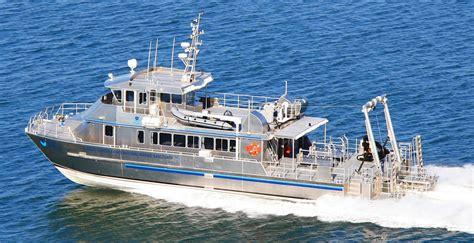 catamaran research ship fgbnms research vessel manta