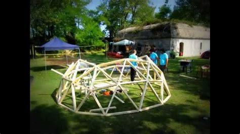 come costruire una cupola geodetica oltre 25 fantastiche idee su cupola geodetica su