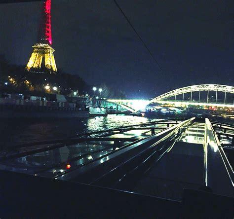 bateau mouche ou bateau parisien un d 238 ner sur la seine avec les bateaux parisiens paperblog