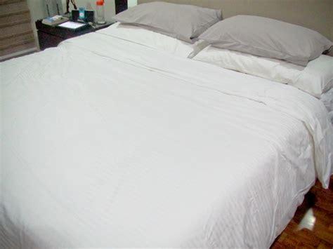 macchie di sangue sul cuscino come eliminare le macchie di sangue da un materasso