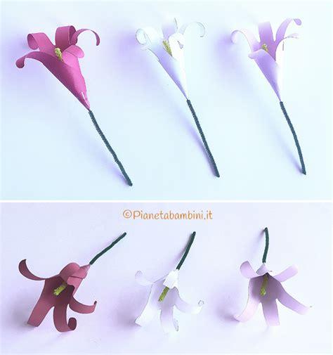 fiori con il cartoncino lavoretto fiori di cartoncino con impronte delle