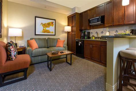4 bedroom las vegas suite 4 bedroom suites in las vegas 1 bedroom king suite elara