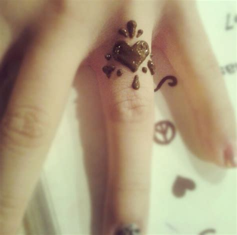 henna tattoo heart on ring finger change heart to