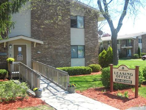 2 bedroom apartments for rent in milwaukee wi franklin park apartments rentals milwaukee wi