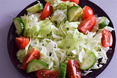salat anrichten k 246 stlicher low carb d 246 ner auflauf mit feta