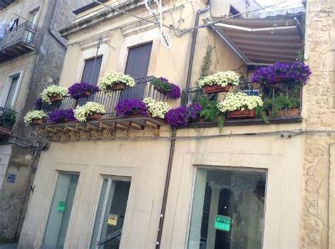 Immagini Di Balconi by I Meravigliosi Balconi Fioriti Di Enna Foto