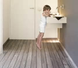 Charmant Parquet Vinyl Salle De Bain #3: Holz_Bad-Boden-UR-bathroom.jpg