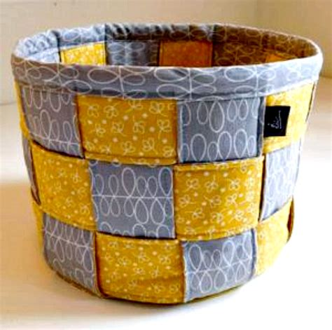 Patchwork Basket - 16 fabulous diy fabric baskets for you to make ducks