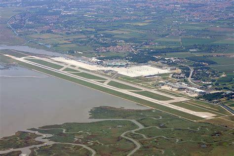 volo venezia porto aeroporti venezia treviso nel 2015 passeggeri a 3 8 e
