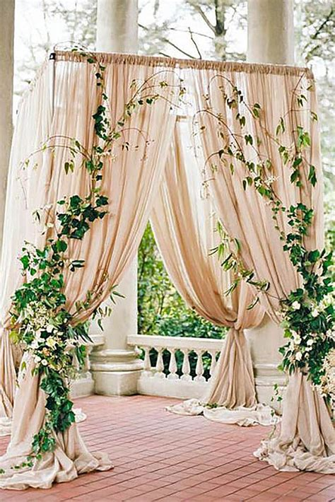 Wedding Altar Decorations by 25 Best Ideas About Wedding Altar Decorations On