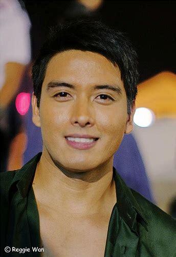 filipino celebrity 2015 news famous filipino actor i wonder anybody knows his name