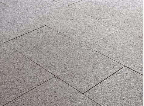 pavimenti in granito pavimento de granito granito cenere by b b