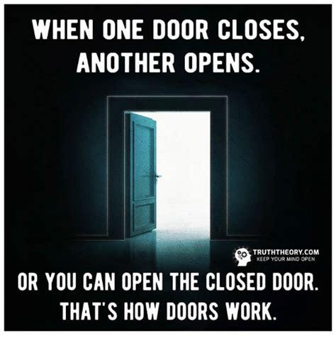 Door Meme - funny door memes of 2017 on sizzle holding
