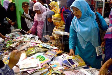 Kapita Selekta Politik Islam negara mayoritas islam hanya jadi target pasar rela mysharing