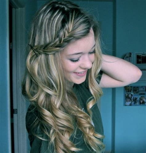 cute hairstyles curls simple hairstyles for curly hair women s fave hairstyles