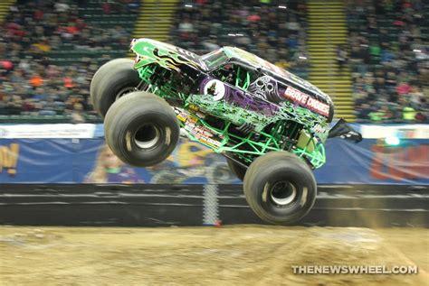 grave digger truck specs retro wrangler html autos post