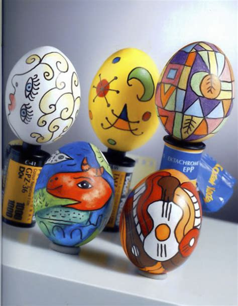 easter egg decorations 47 easy easter egg crafts and egg decorating ideas for kids