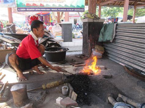 Pisau Di Pasar pembuatan pisau dan alat pertanian di pasar gawok oleh suci handayani harjono kompasiana
