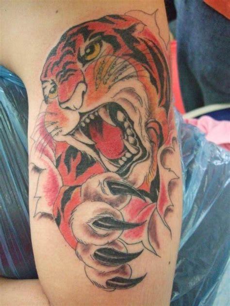 tiger skin tattoo designs tattoos designs skin rip tiger design