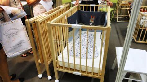 lit en bois pliant avec matelas