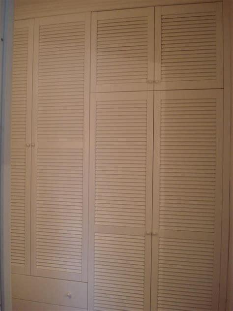 armadi con ante a persiana armadio con ante a persiana idee per la casa