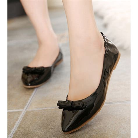 Patent Bow Flats patent black pointed toe bow flats