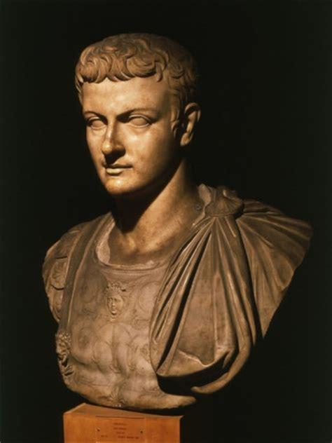 Gaius Julius Caesar Lebenslauf Kurz 25 Best Ideas About Emperor On Empire And History