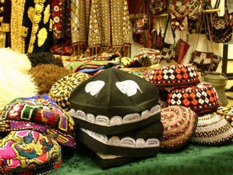 traditional uzbek souvenirs
