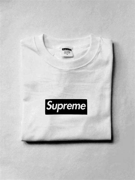 where can i find supreme clothing 25 best ideas about supreme logo on supreme