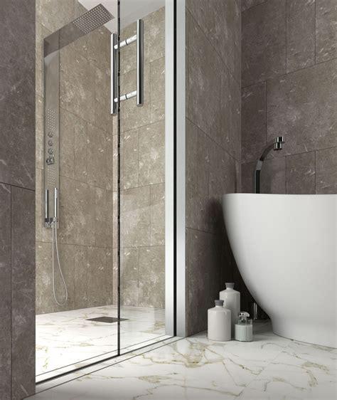 doccia a muro essential doccia 232 la porta scorrevole interno muro per il