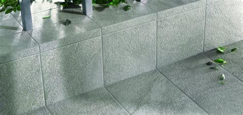 piastrelle da esterno antiscivolo gres porcellanato antiscivolo per pavimenti esterni
