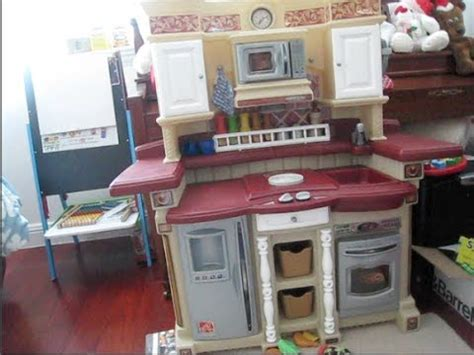 step 2 lifestyle partytime kitchen step2 time kitchen playset an inside look