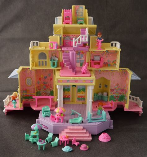 polly pocket house and thats what it looked like on the inside bring back my