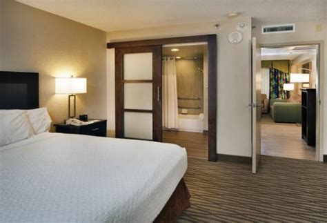 hotels with separate bedrooms embassy suites hotel miami international airport miami fl united states overview