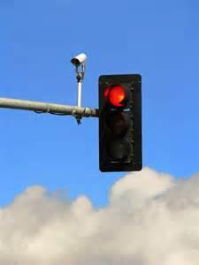 cameras on traffic lights study light cameras reduce fatal crashes