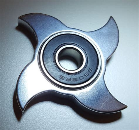 Fidget Spinner Glow In The Motif T1910 1 gt fidget spinner no bearings