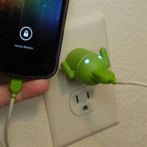 android usb charger sadik rabdi android robot usb cell phone charger